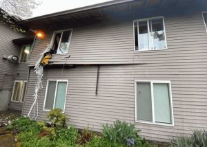 Portland, OR Apartment Explosion Injures One Person.